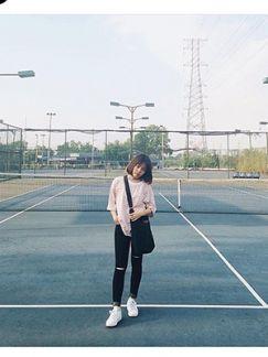 Quần jean đen rách gối nữ 03