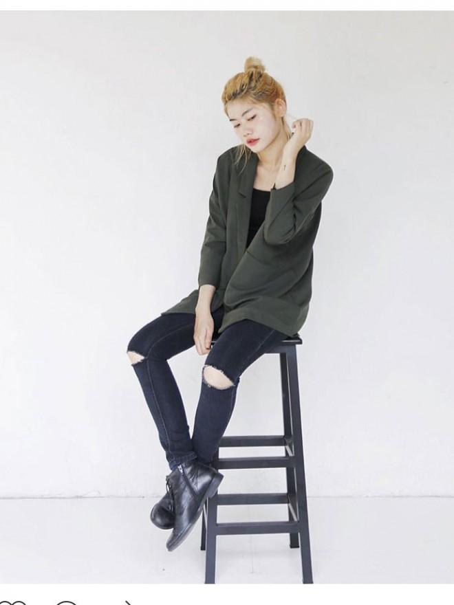 Quần jean đen rách gối nữ 02